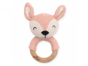 Pletený jelen na dřevěném kroužku pale pink