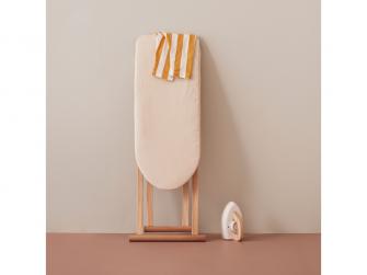 Žehlicí prkno s žehličkou dřevěné Bistro 8