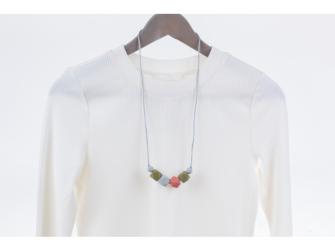 Kojící korále Paloma - khaki 2