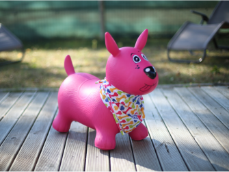Skákací pes růžový 7