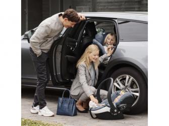 IZi Modular X1 i-Size Premium Car Interior Black, autosedačka 61-105 cm 6